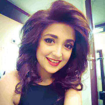Monali Thakur singer